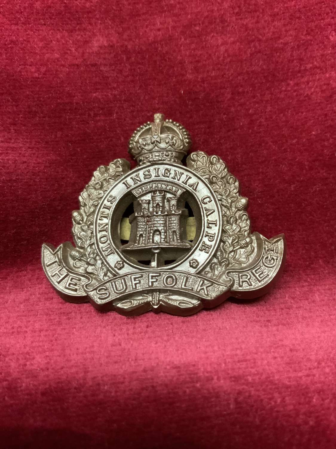 The Suffolk Regiment Plastic Cap Badge Bronze Colour