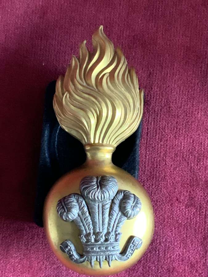 Royal Welch Fusiliers Officers Fur Cap Grenade