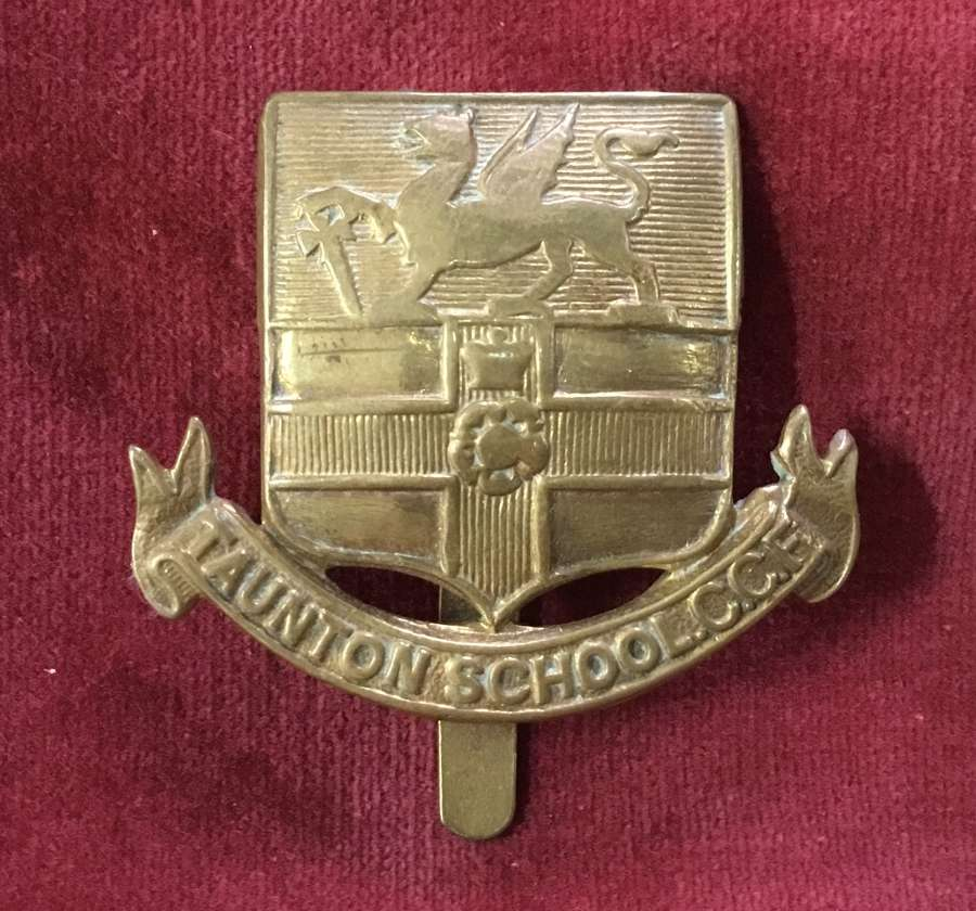 Taunton School CCF Cap Badge