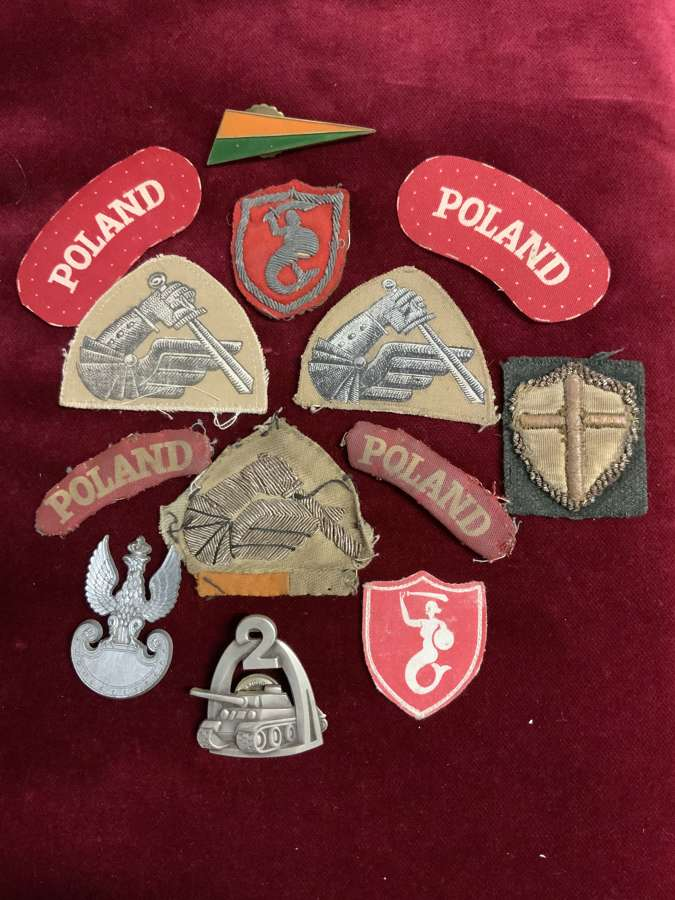 Poland, 2nd Warsaw Armoured Division 2nd Polish Corps Badge Group