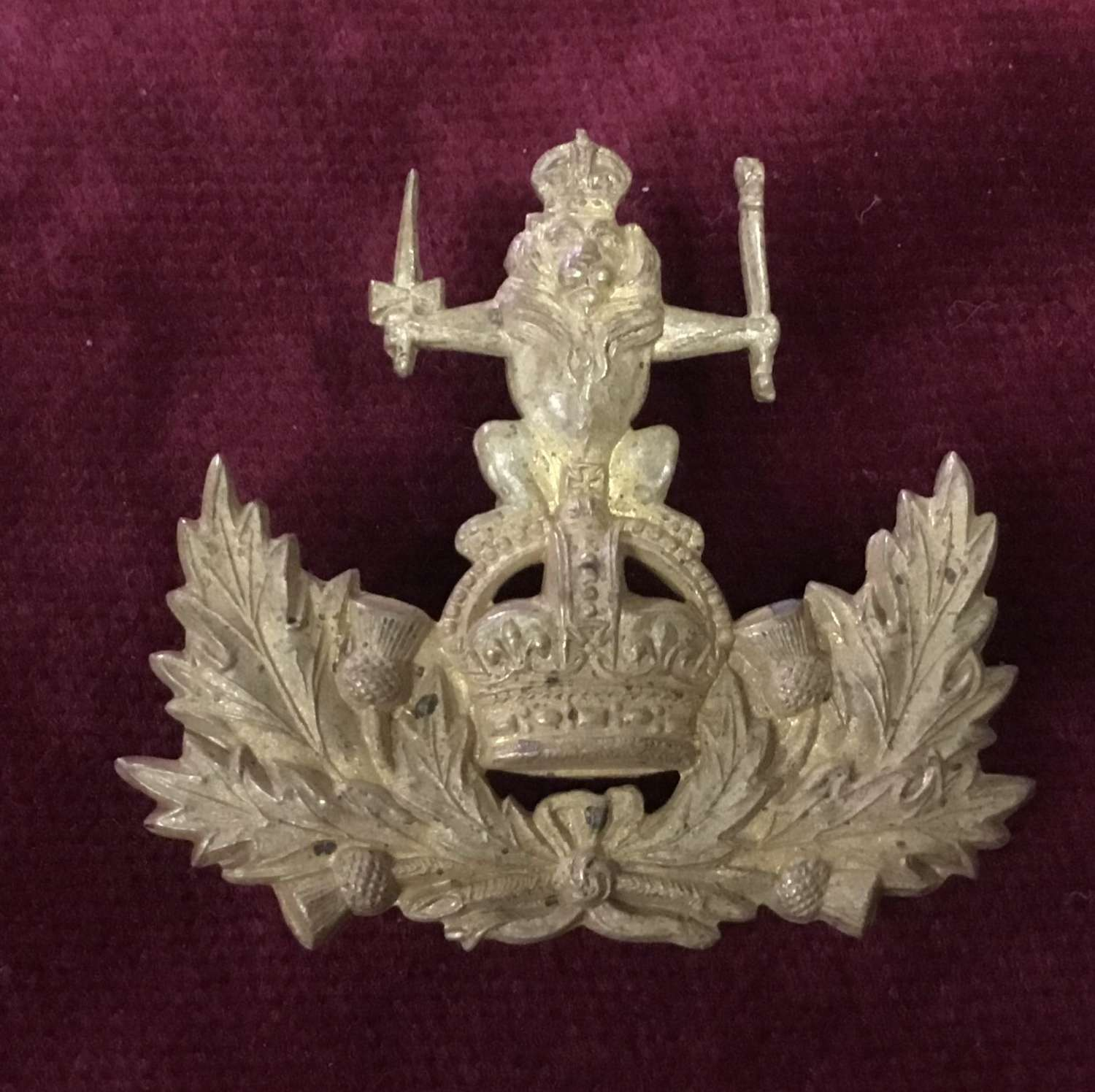 Queens Own Royal Glasgow Yeomanry Officers Cap Badge