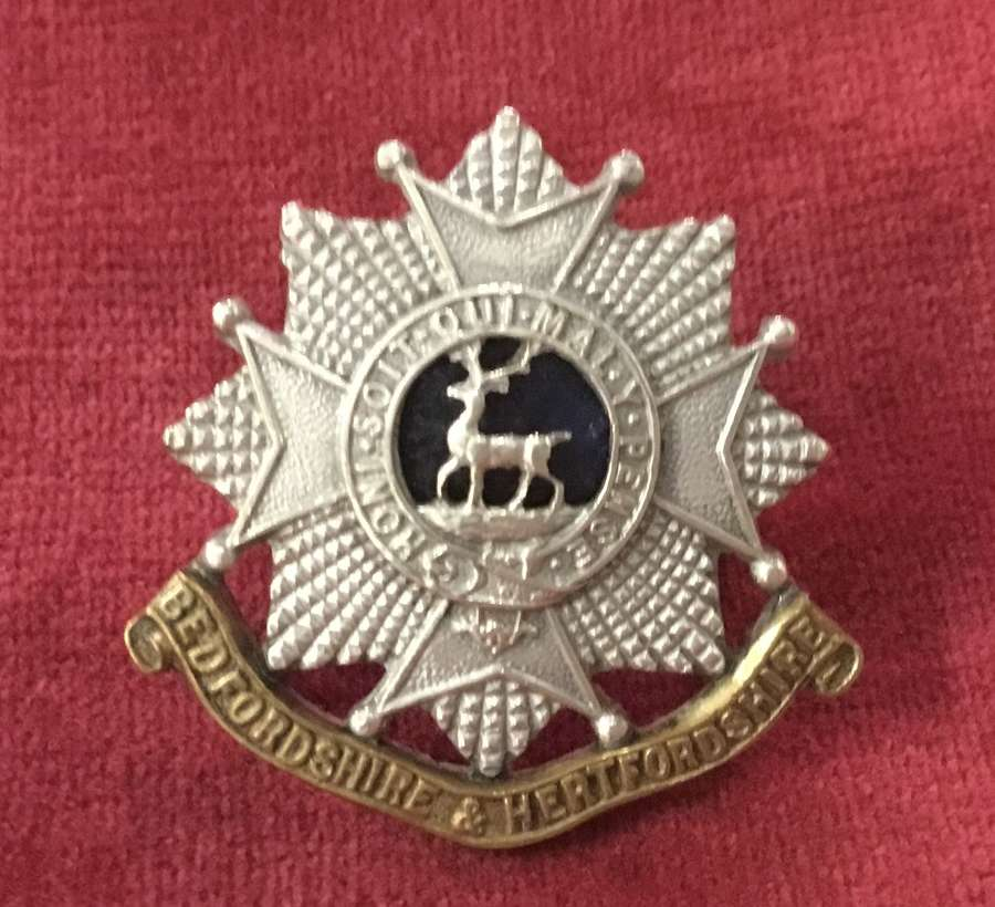 Bedfordshire and Hertfordshire Regt Officers Cap Badge